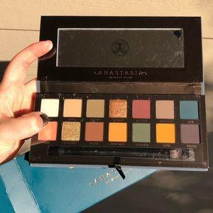 Anastasia Eye Shadow Palette